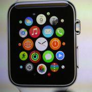 Die Smartwatch erlaubt Zugriffe auf Apps, Fotos, Kommunikationsanwendungen und fungiert sogar als persönlicher Fitnesstrainer.