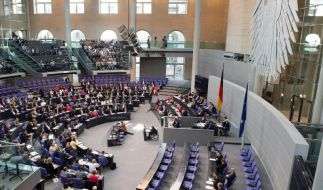 Gedenkstunde: Lammert lobt Freundschaft zu Polen (Foto)