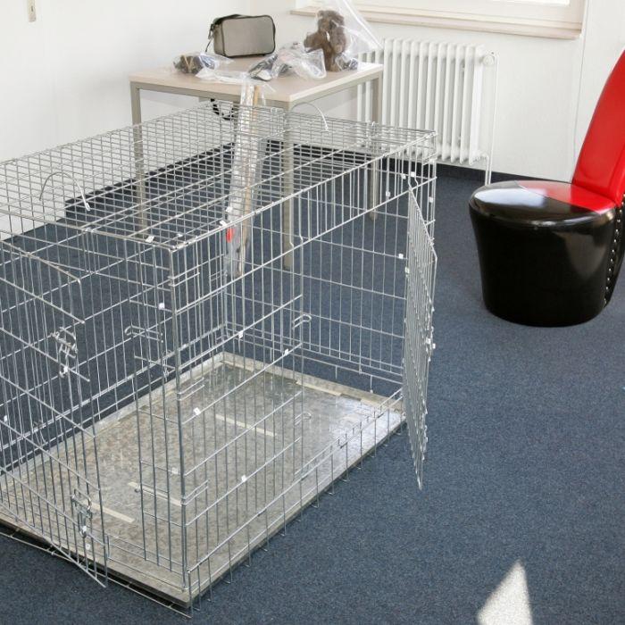 Sadisten-Paar hält Frau in Hundekäfig gefangen (Foto)