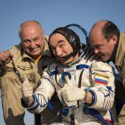 Drei ISS-Raumfahrer zurück auf der Erde (Foto)