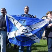 Im Kampf um Schottland verschärfen die Lager den Ton (Foto)