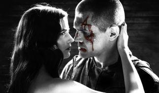 Dwight (Josh Brolin) und seine schöne Ex-Freundin Ava (Eva Green) haben eine besondere Beziehung zueinander. (Foto)