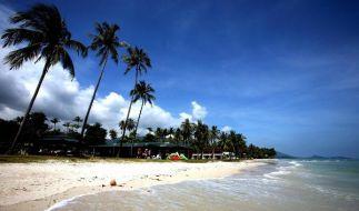 In Thailand wurden britische Touristen tot am Strand gefunden. Das Mordwerkzeug eine Hacke. (Foto)