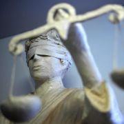 Bankkonten geplündert: Prozess gegen Internet-Bande (Foto)