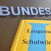 Langenscheidt siegt im Markenstreit um die Farbe Gelb (Foto)