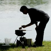 Widerlich! Asiate grillt Nachbarskatze (Foto)