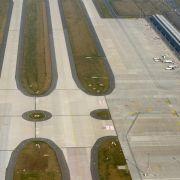 Altes Flughafen-Terminal in Schönefeld könnte in Betrieb bleiben (Foto)