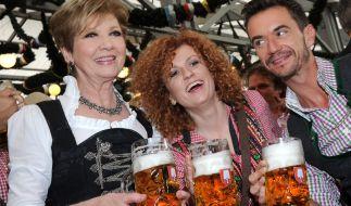 Florian Silbereisen hat scheinbar auch ohne Helene auf dem Oktoberfest mächtig Spaß. (Foto)