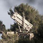 Israel schießt syrisches Flugzeug über den Golanhöhen ab (Foto)