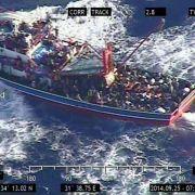 Zyprische Polizei zwingt syrische Bootsflüchtlinge an Land (Foto)