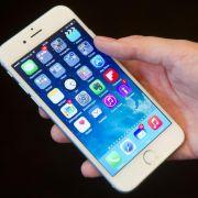 Mann kauft 99 iPhones für Heiratsantrag - und sie sagt ... (Foto)