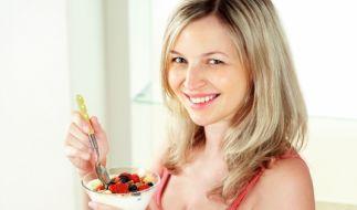 Eine gesunde Ernährung ist sehr wichtig für Mutter und Kind. (Foto)