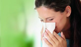 Sanfte Salzlösungen helfen bei verstopfter Nase ganz ohne Nebenwirkungen. (Foto)