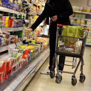 Krisen und Konjunkturskepsis dämpfen Kauflaune der Deutschen (Foto)