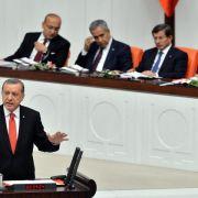 Türkisches Parlament stimmt über IS-Mandat ab (Foto)