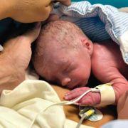 Uni: Erstmals bekommt Frau mit fremder Gebärmutter ein Baby (Foto)