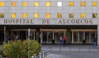 In Spanien hat sich eine Krankenschwester mit Ebola angesteckt. Wie lassen sich weitere Infektionen verhindern? (Foto)