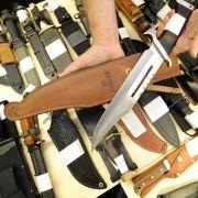 Nach blutiger Straßenschlacht - Putzfrau findet Waffenarsenal (Foto)