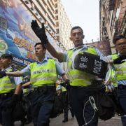 Polizisten in Hongkong räumen Protestort (Foto)