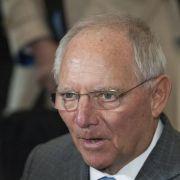 Schäuble dementiert Stopp für von der Leyens Bundeswehr-Pläne (Foto)
