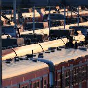 Lufthansa hält an Notflugplan fest: Bahnverkehr läuft wieder (Foto)