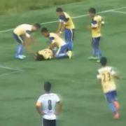 Fußballer stirbt nach Jubel-Salto (Foto)