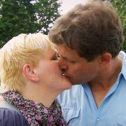 Ralf verliebt! Erste Küsse auf den Höfen! (Foto)