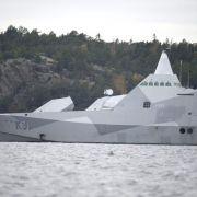 Schwedische Streitkräfte setzen Suche nach Unterwasserobjekt fort (Foto)