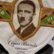 Hitler und Mussolini auf der Kaffeesahne (Foto)
