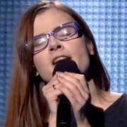Dorota Osińska singt Calling You.