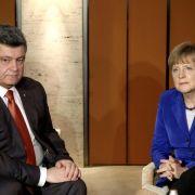 Poroschenko und Merkel stimmen sich über Gasgespräche ab (Foto)