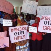 Bombenanschlag und neue Entführungen von Mädchen in Nigeria (Foto)