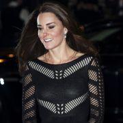 Herzogin Kate zeigt, was sie drunter trägt (Foto)