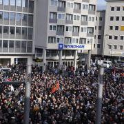 Die Anzahl der Demonstranten übertraf die Schätzungen der Polizei bei weitem.
