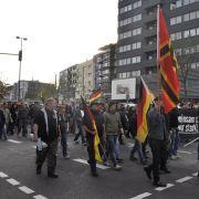 Heftige Krawalle bei Gegendemo in Köln (Foto)