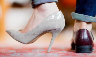 Was High Heels und Füße doch für eine Anziehungskraft ausüben können. (Foto)