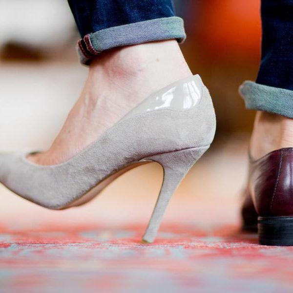 Polizist will Füße einer Frau riechen und ablecken (Foto)