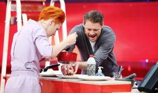 Bei Grill den Henssler bringt Comedian Max Giermann heute Koch-Coach Meta Hiltebrand zum Kochen. (Foto)