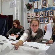 Umstrittene Ostukraine-Wahl bestätigt Separatistenführer (Foto)