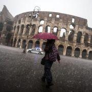 Chaos nach Unwettern in Italien (Foto)