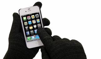Mit den iPhone-Handschuhen Winter Style haben Sie stets warme Finger und können trotzdem Ihr Smartphone bedienen. (Foto)