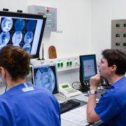Erster Test von Ebola-Impfstoff in Deutschland (Foto)
