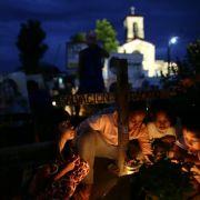 Gebete und Proteste zum Jahrestag von Taifun Haiyan (Foto)