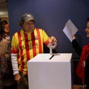 Zwei Million Katalanen stimmen über Abspaltung ab (Foto)
