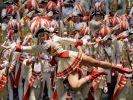 Karnevalsbeginn am 11.11.2014 in Köln: Karnevalisten begrüßen die fünfte Jahreszeit. (Foto)