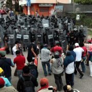 Studenten-Massaker in Mexiko: Parteizentrale angezündet (Foto)