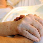 Bundestag will Sterbebegleitung ausbauen (Foto)