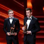 Die Weltmeister Klose und Lahm nahmen den Bambi 2014 sichtlich gerührt entgegen.