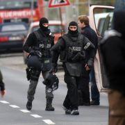 Mann drohte mit Sprengung: Großeinsatz in Leverkusen (Foto)
