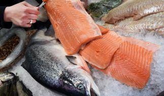 Aldi Süd ruft Stremel-Lachs zurück. Hier wurden Listerien nachgewiesen. (Foto)